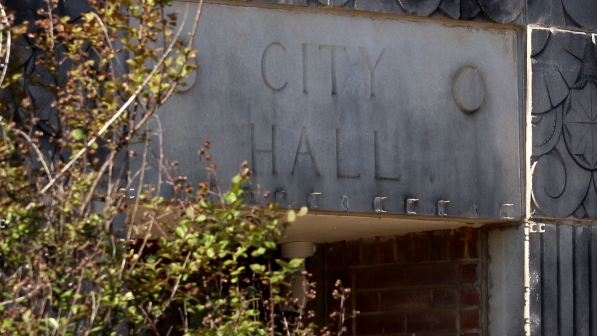 Pelahatchie alderman: Mayor's failure to sign paychecks will delay some employees' pay until next week