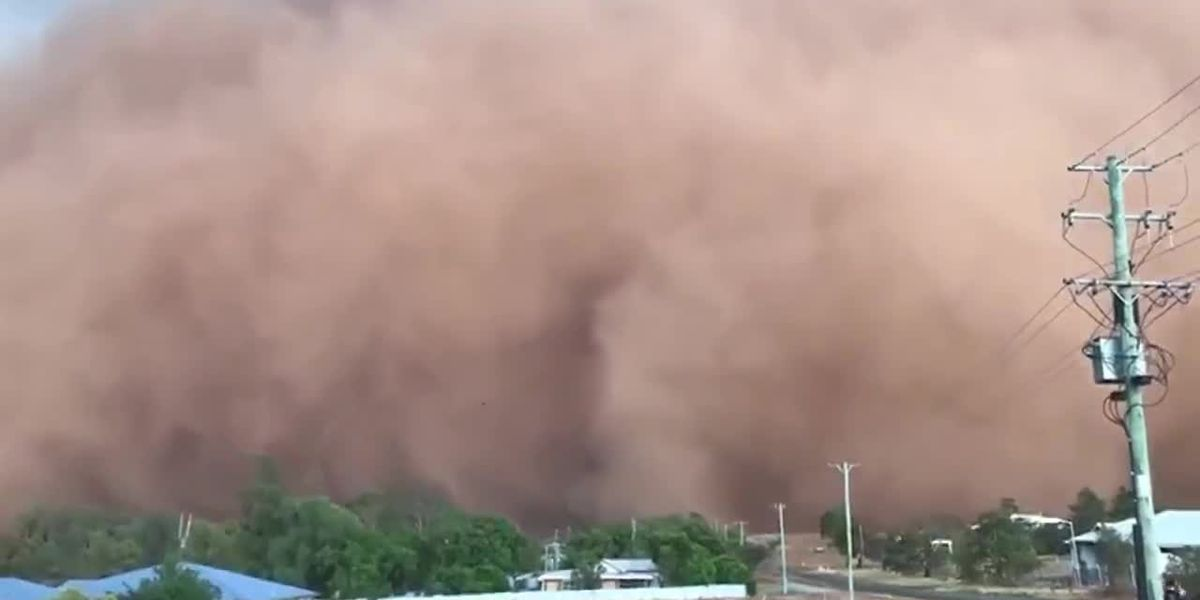 Dust storm rolls through New South Wales, Australia