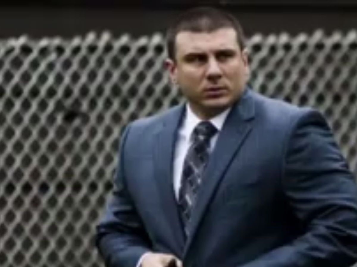 Officer says he exaggerated charge against chokehold victim Eric Garner