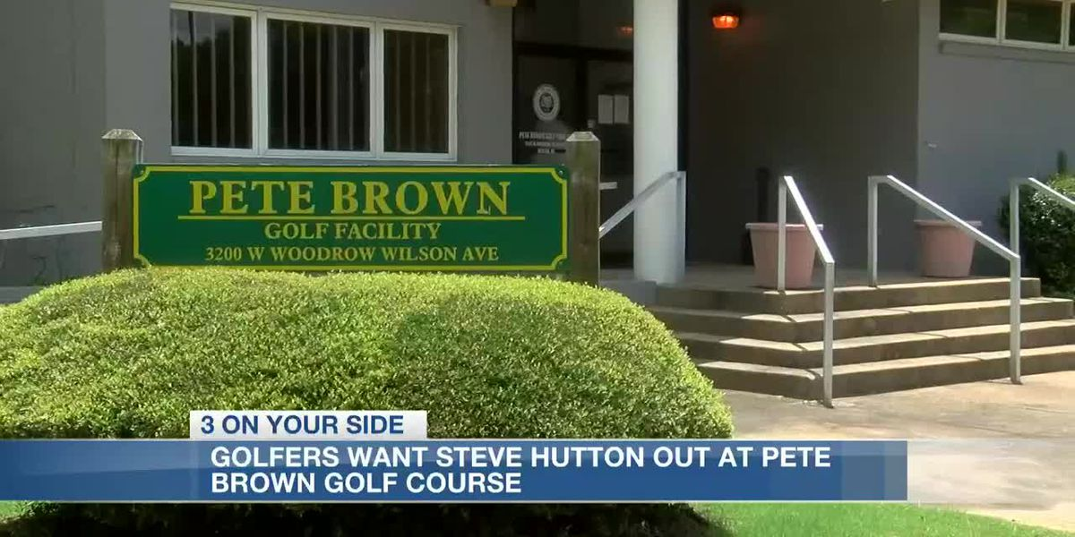 Golfers object to ex state fair commissioner managing course