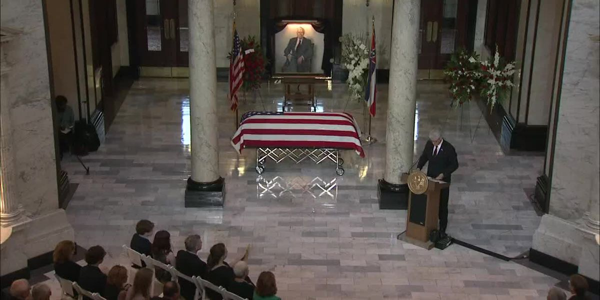 Late Senator Thad Cochran's funeral service held at Mississippi Capitol