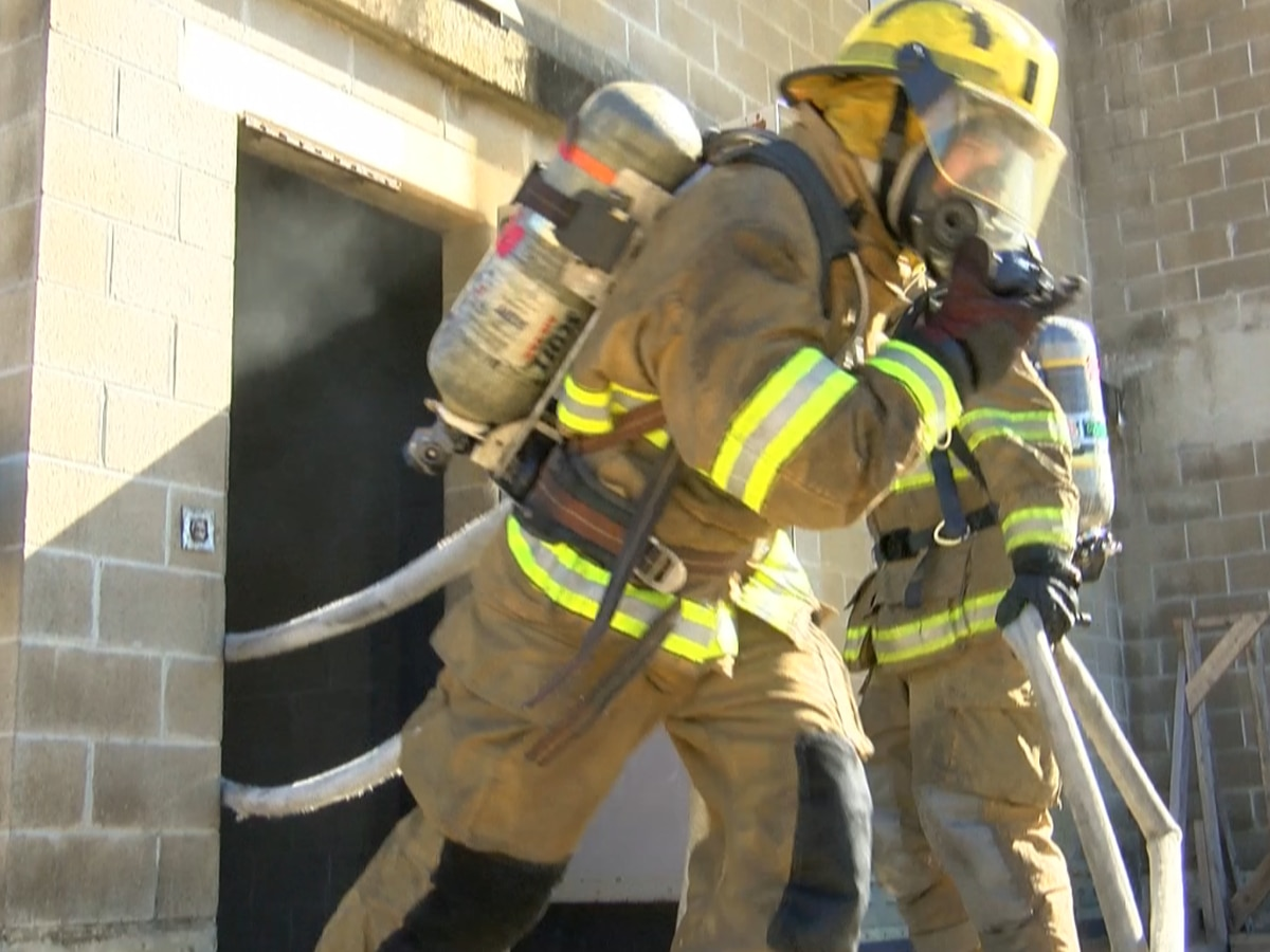 Mississippi firefighters push themselves to the limit to attain elite Smoke Diver designation