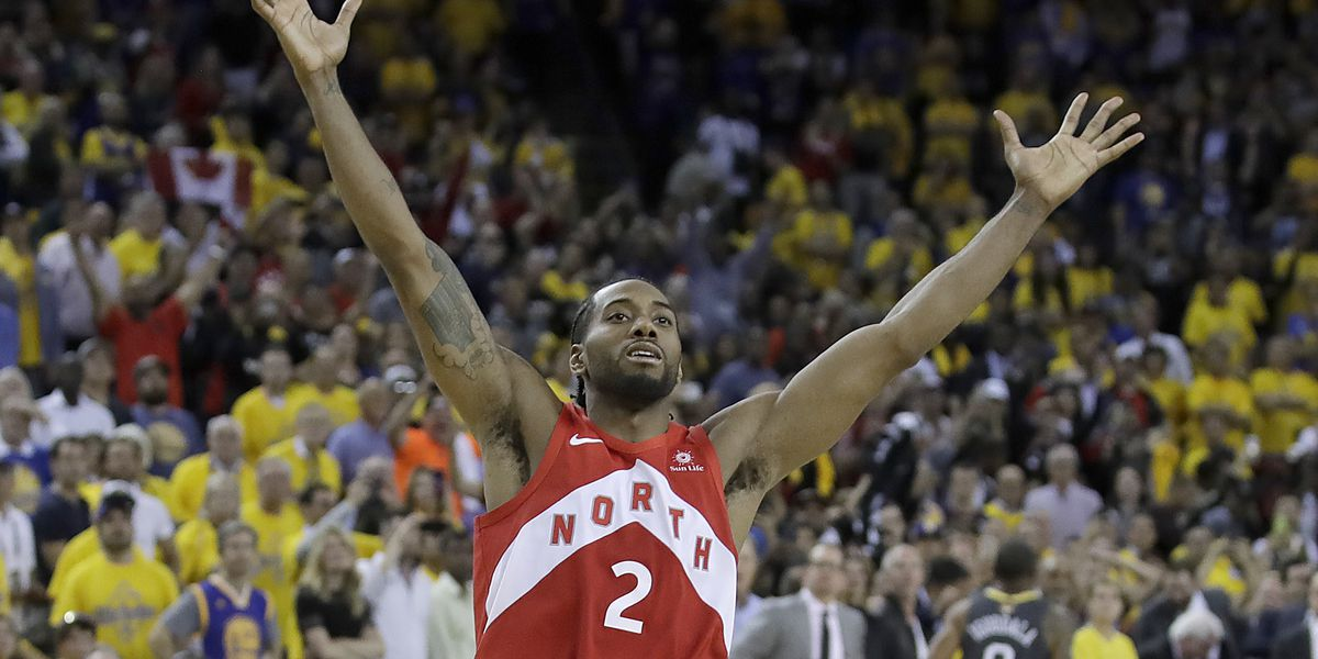 AP Source: Clippers trading for George, signing Leonard