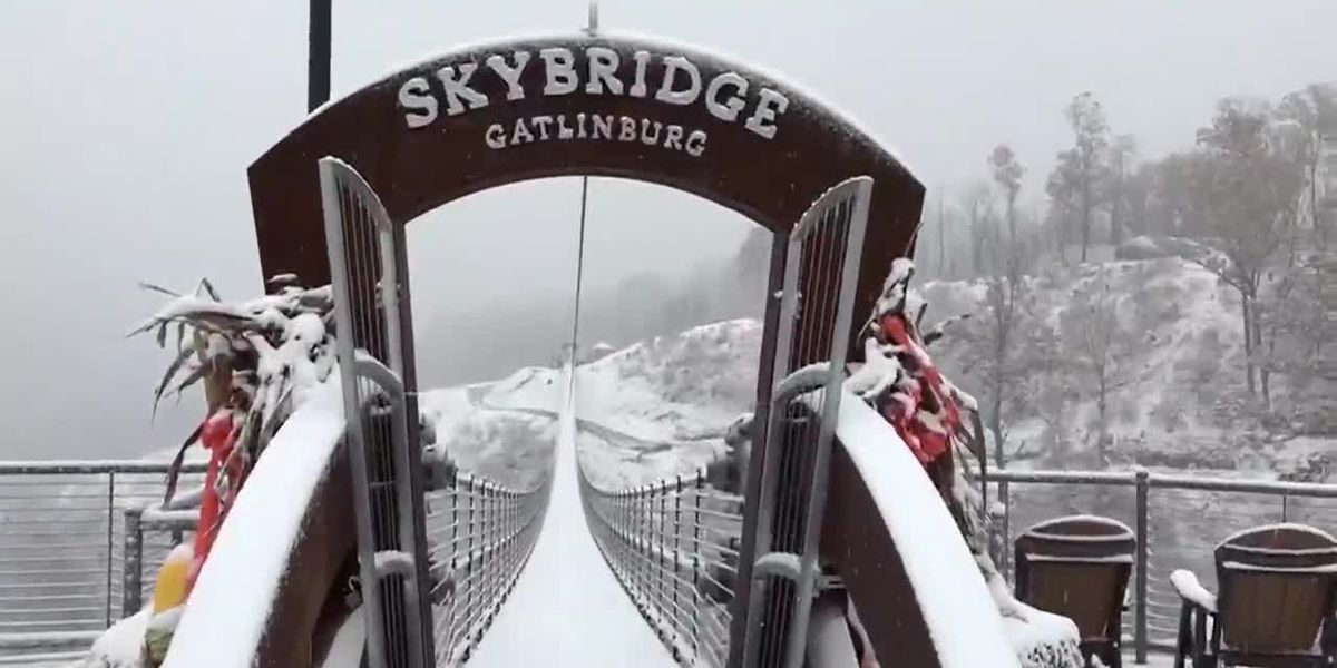 Snow covers Gatlinburg SkyBridge in Tennessee