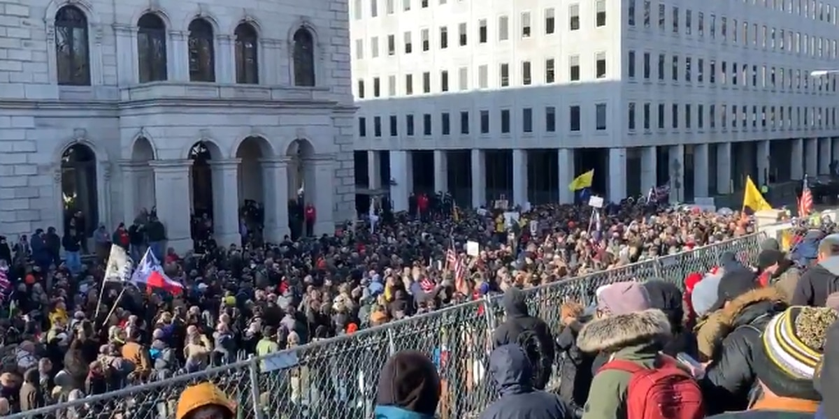 Live Updates: Capitol Police estimate 22,000 attended gun-rights rally; no arrests made