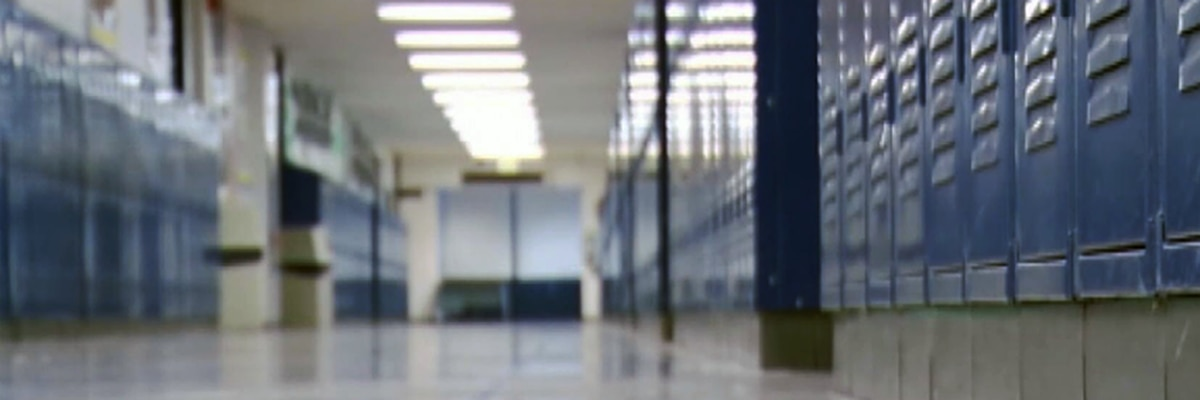 Gov. Reeves pushes school start date for 7-12th grade in 8 counties; Issues statewide mask mandate
