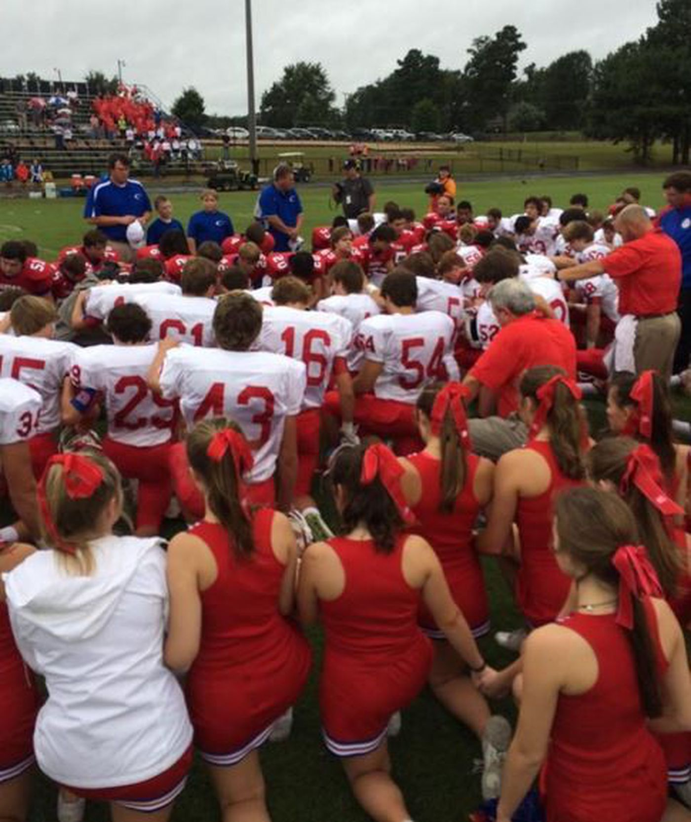Football teams honor the memory of two players
