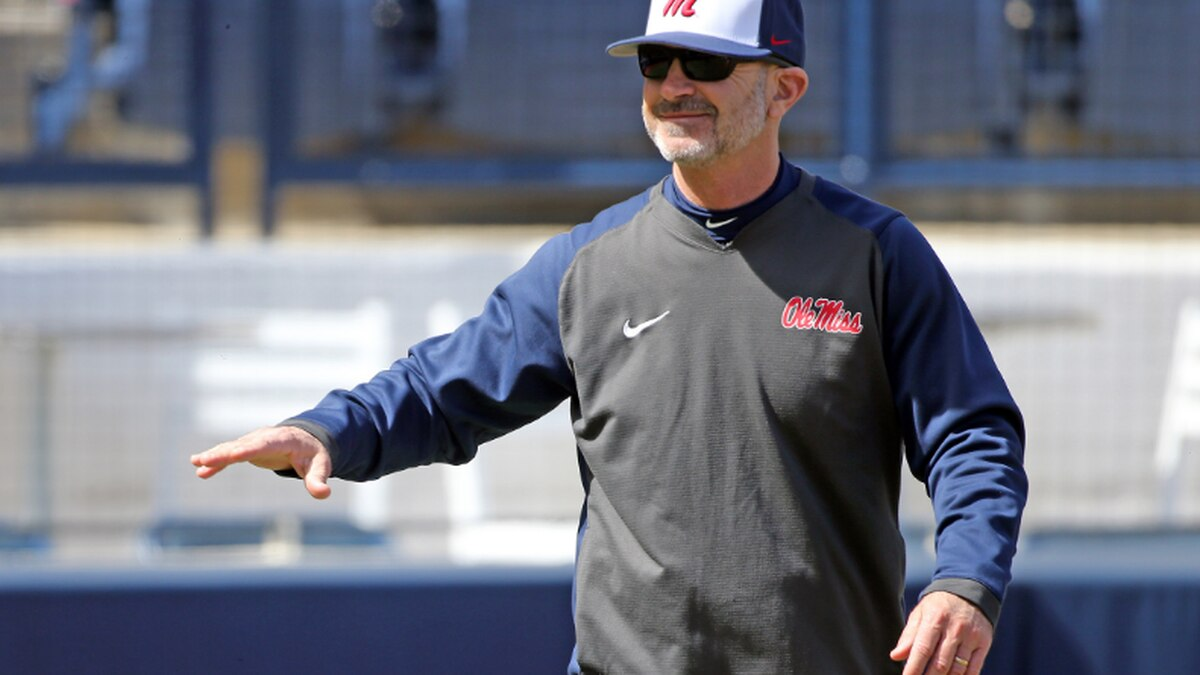 Ole Miss extends Bianco