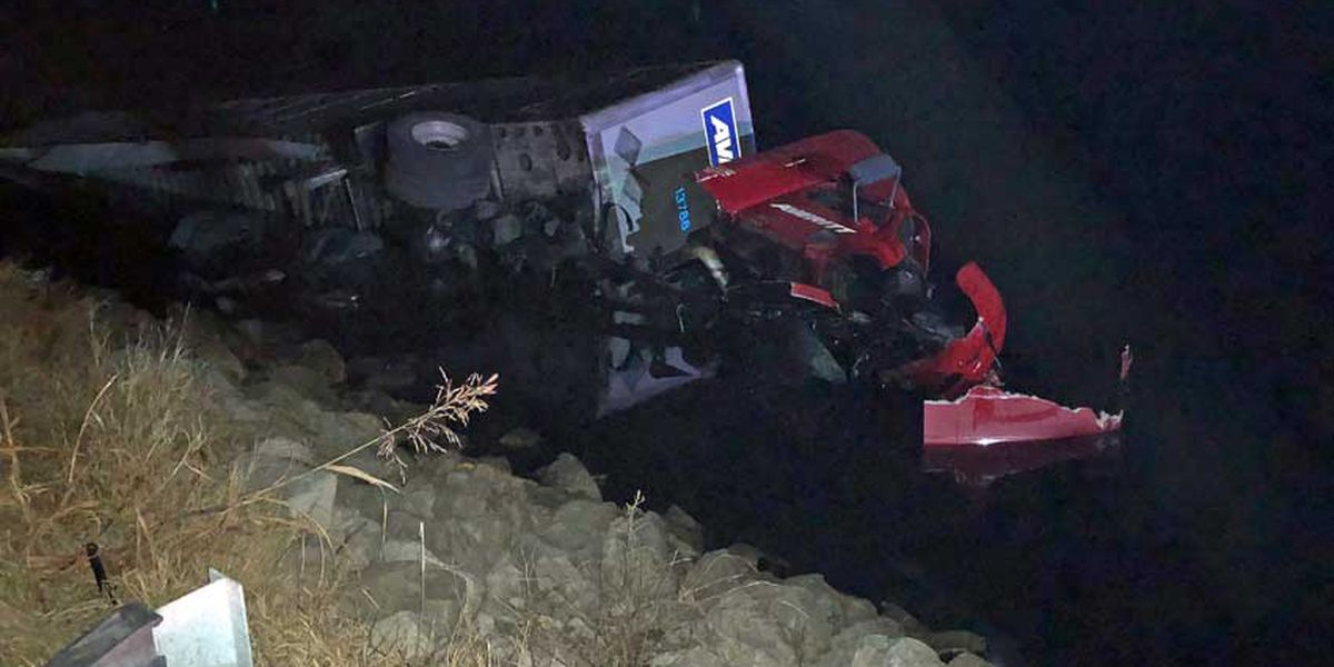 Lanes reopen after 18-wheeler crashes in Reservoir off Highway 43