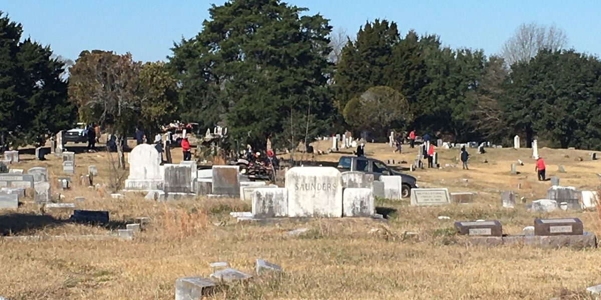 City brings workers to overgrown cemetery after 3 On Your Side report