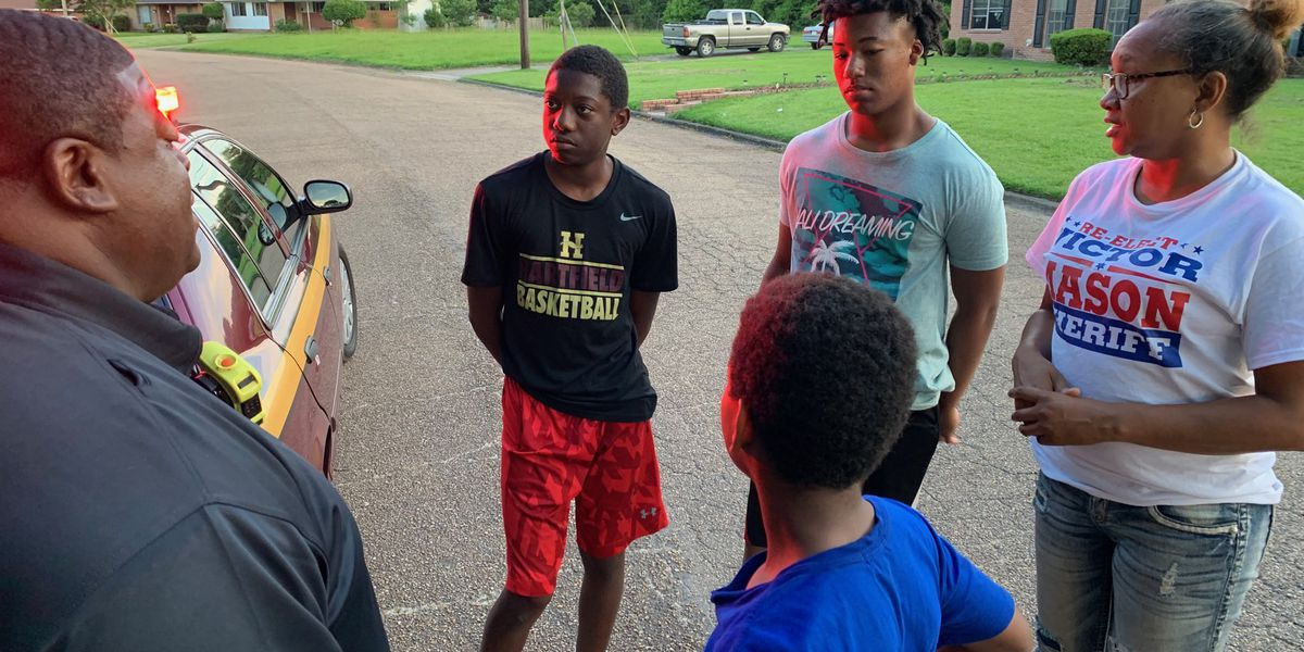 Teens save woman from house fire in Jackson