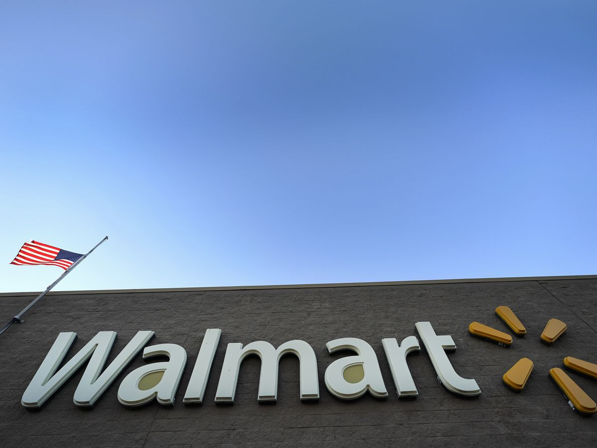 Walmart sales strong, both online and in stores