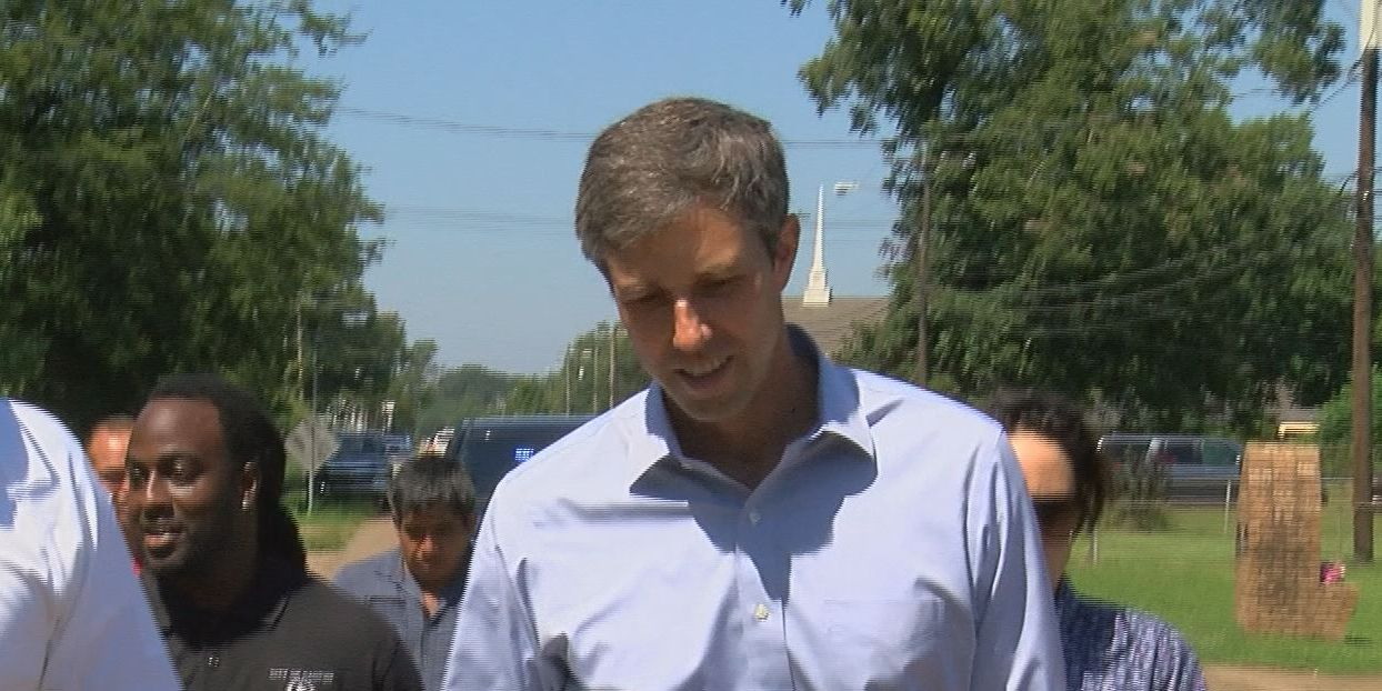 'I'm going to tell their stories': Beto O'Rourke visits immigrant families impacted by ICE raid in Canton
