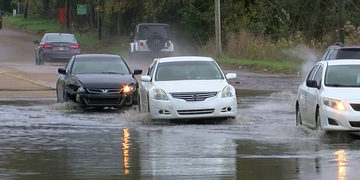 3 On Your Side: Viewers concerned about flooded street