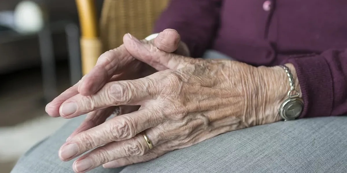 Coronavirus can compound risk of living with Alzheimer's