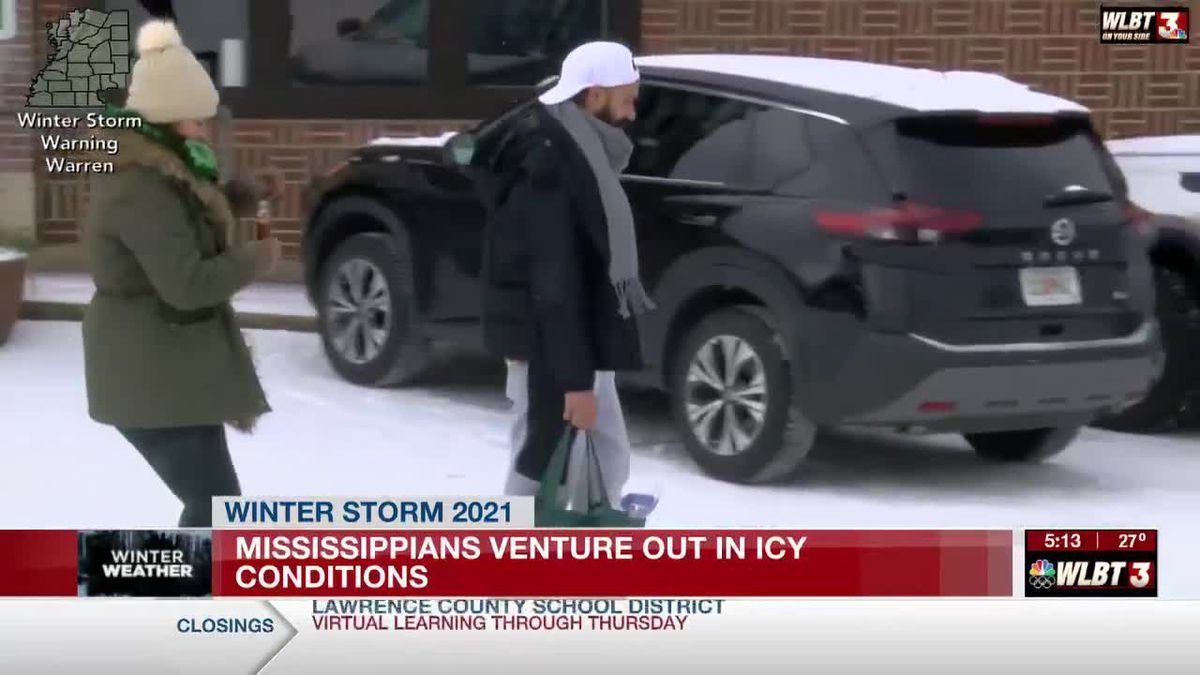 Mississippians venture out in icy conditions