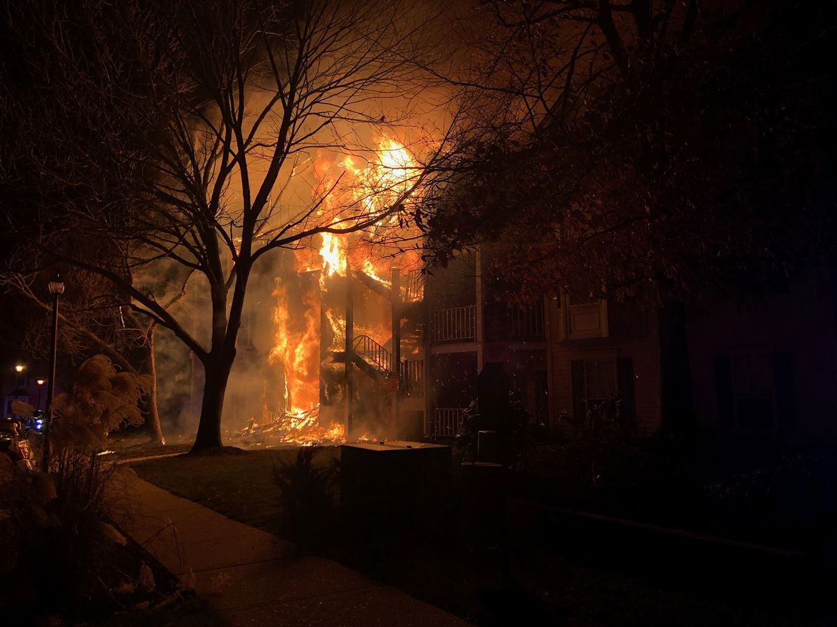 Officer scales building to save 2 children, 2 adults trapped by NJ condo fire