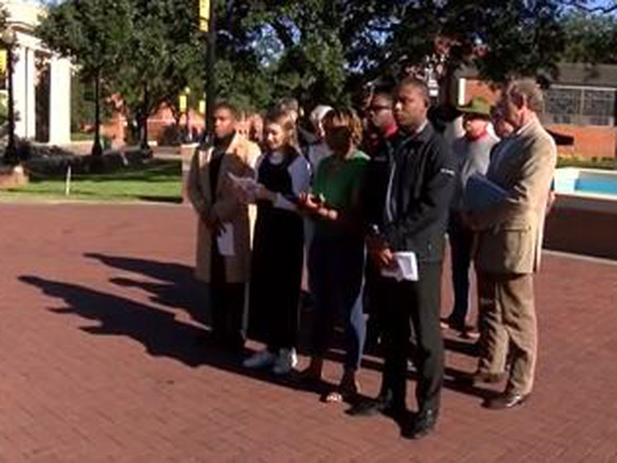 USM student group calls for Hyde-Smith to resign