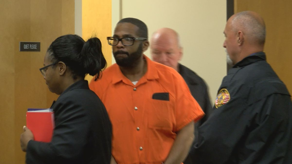 Jury to decide future of man accused of killing 8 people after closing arguments