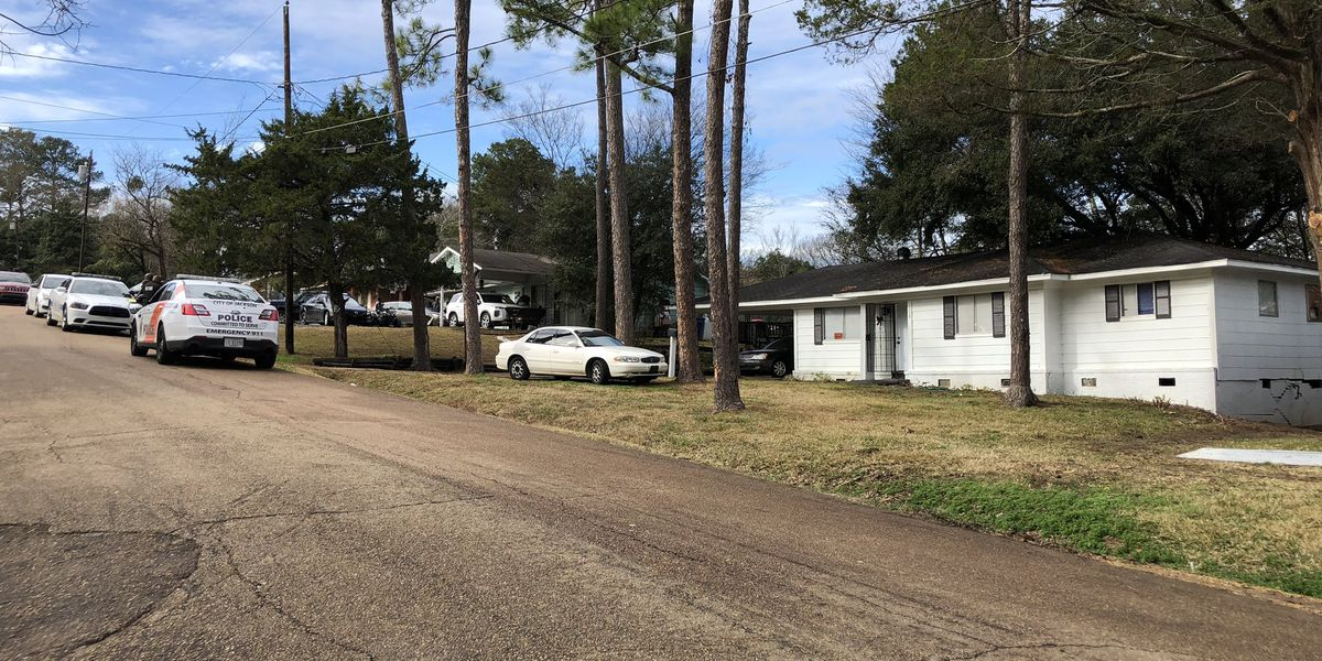 Woman critical; showed up to hospital with gunshot wound