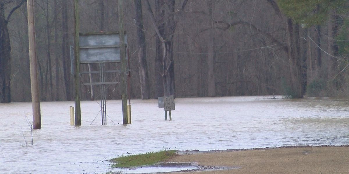 Vicksburg residents flooded from homes for over 100 days