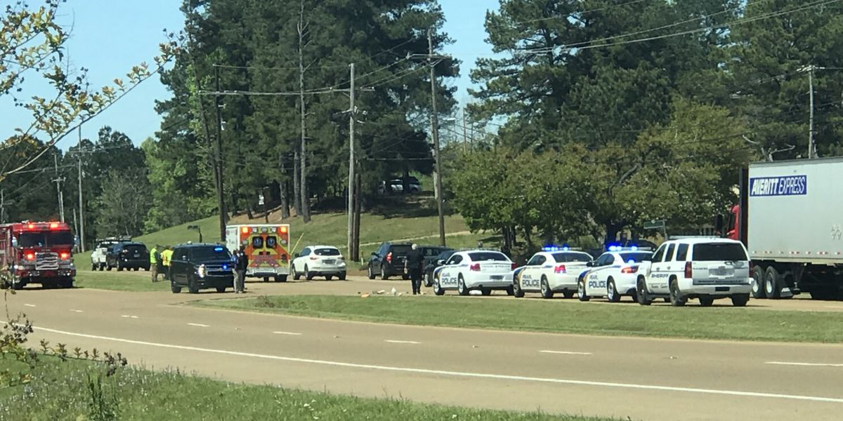 Pearl police officer involved in crash on Hwy 80