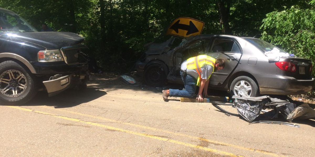 Five injured, including two children in crash in Warren County