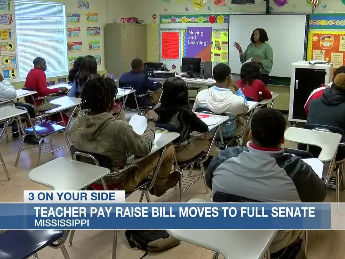 Teacher pay raise bill moves forward to Mississippi Senate