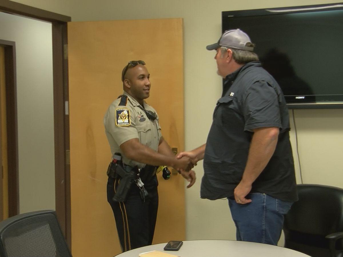 Mississippi Strong: Rankin County Deputy returns lost wallet to Illinois veteran