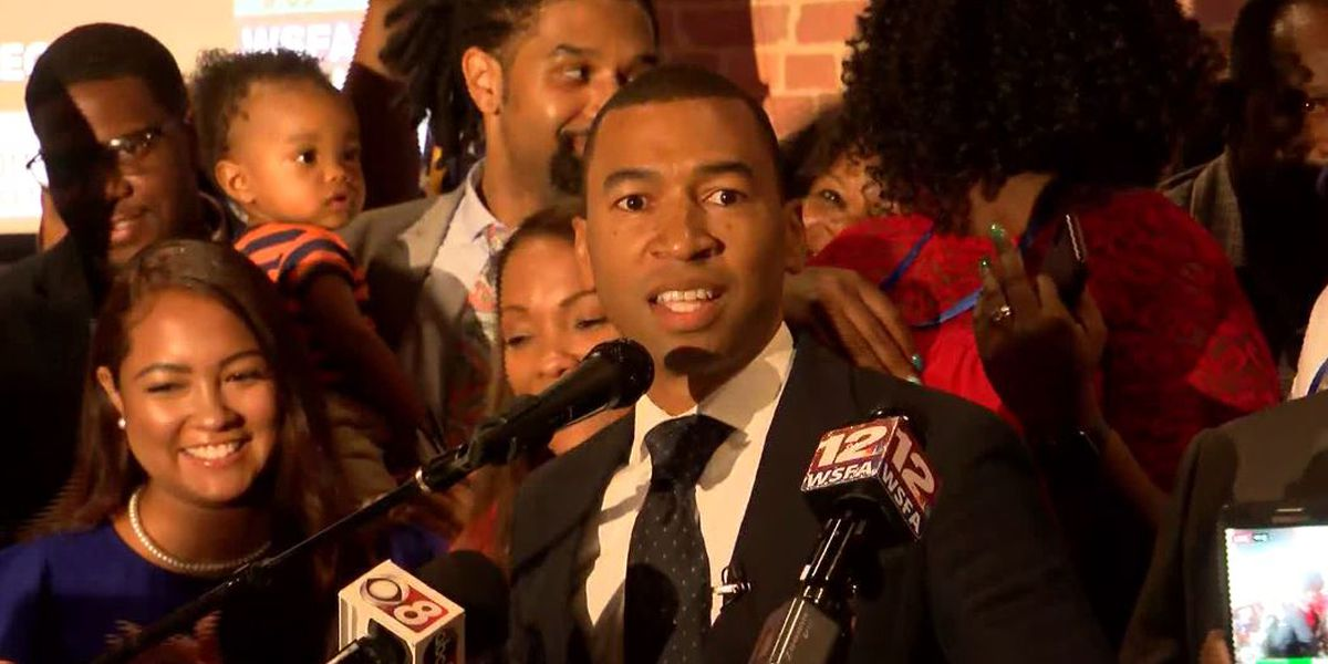 Steven Reed makes history as Montgomery's first black mayor