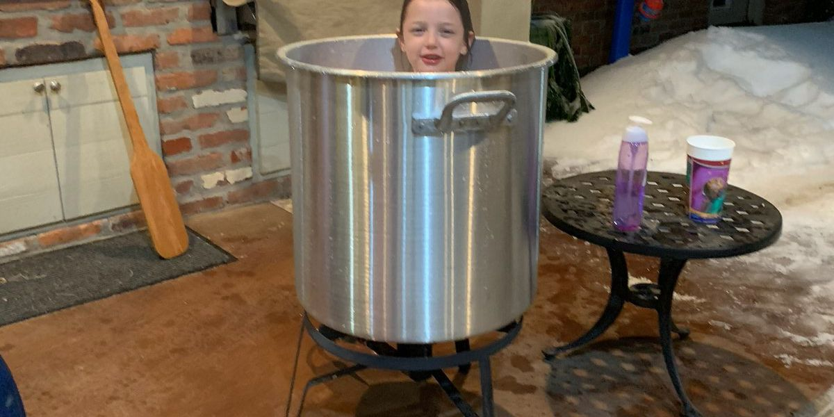With no water service, Louisiana family bathes kids in a crawfish pot
