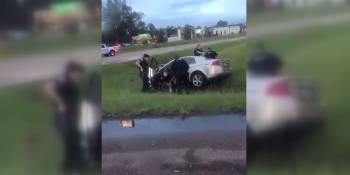 Car winds up in ditch after pursuit in Pearl; 2 in custody