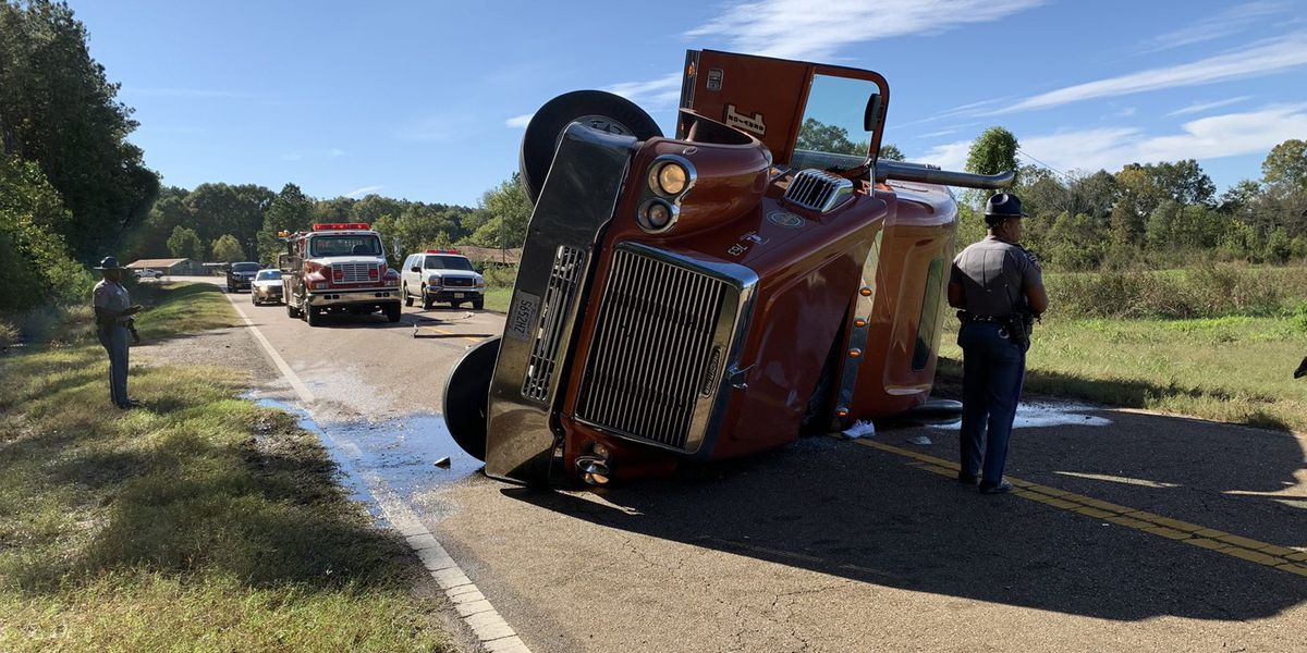 18-wheeler carrying 200 gallons of fuel crashes on Highway 18