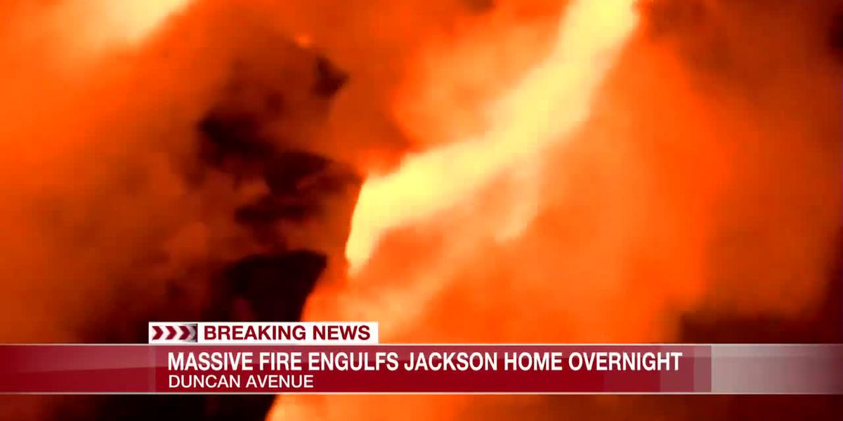 Massive fire engulfs Duncan Ave. home