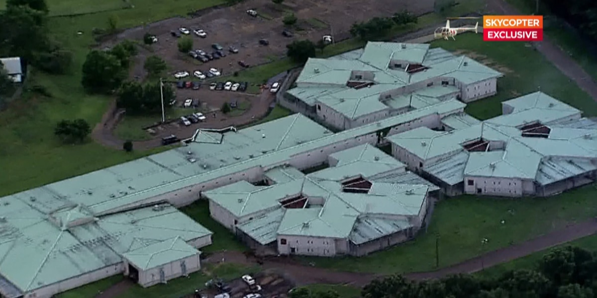 GRAPHIC: Detainee found unresponsive at Raymond Detention Center, police say