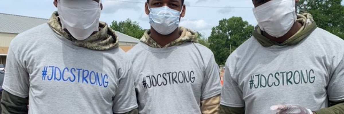 NFL players return to Miss. hometown to help with tornado relief